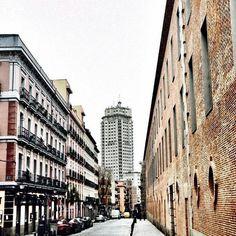 #Madrid #condeduquegente  Grey day around Conde Duque area. #Repost @javierfrommadrid by condeduquegente