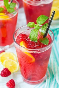 45 Best Nonalcoholic Summer Drinks To Keep Things Subtle, Refreshing and Kid Fri.- 45 Best Nonalcoholic Summer Drinks To Keep Things Subtle, Refreshing and Drink Recipes Nonalcoholic, Summer Drink Recipes, Non Alcoholic Drinks, Cocktail Drinks, Beverages, Kid Drinks, Yummy Drinks, Healthy Drinks, Pool Drinks