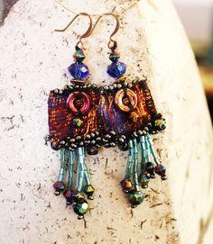 Boho chic, Boucles d'oreilles textiles, aux reflets cuivrés, perles de verre et perles de rocaille : Boucles d'oreille par planete