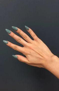 Green Nails Green Nail Designs, Acrylic Nail Designs, Nail Art Designs, Nails Design, Sparkly Nails, Metallic Nails, Almond Acrylic Nails, Almond Nails, Stylish Nails