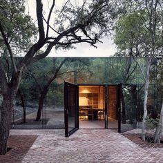 Mirror glass house. Mexico.
