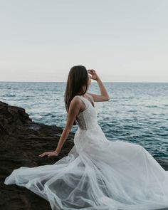 Hawaii Bridal Session | Joana — Haili Wise Photography Bridal Session, Bridal Shoot, Hawaii Wedding, Hawaii Elopement, Destination Wedding, Wedding Venues, Whimsical Wedding Inspiration, Bride Photography, Wedding Bride