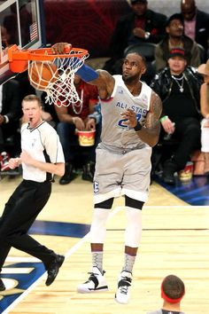 LeBron James of the Eastern Conference All-Star Team dunks the ball during the NBA All-Star Game as part of the 2017 NBA All Star Weekend on February 2017 at the Smoothie King Center in New Orleans, Louisiana. Lebron James Family, Nba Lebron James, King Lebron James, Kobe Lebron, King James, Nba Sports, Basketball Players, Basketball Quotes, Basketball Art