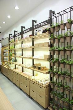 Innisfree retail: seoul+south korea retail store design, retail shelving, s Design Exterior, Shop Interior Design, Retail Store Design, Retail Shop, Design Comercial, Retail Shelving, Cosmetic Shop, Store Interiors, Moon Moon