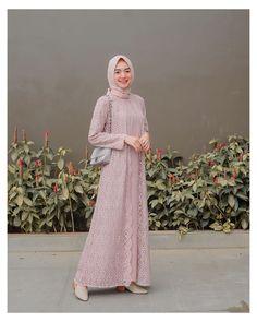 Dress Brukat, Hijab Dress Party, Hijab Style Dress, Casual Hijab Outfit, The Dress, Dress Outfits, Dress Brokat Muslim, Dress Brokat Modern, Kebaya Modern Dress