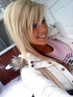 love the blonde and the side bangs