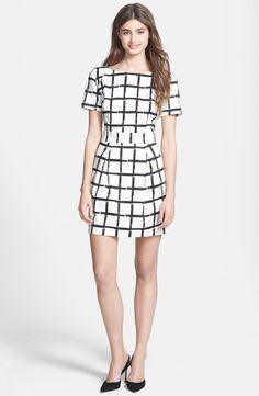 Pin for Later: In diesen Kleidern werdet ihr wie ein Boss aussehen French Connection Checked Kleid French Connection Print Fit & Flare Dress ($158)
