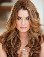 Long Wavy Hairstyles Ideas For Round Face