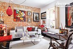 Revista Decorar Mais por Menos Red Sofa, Couch, Furniture, Home Decor, Living Room, Settee, Decoration Home, Sofa, Room Decor