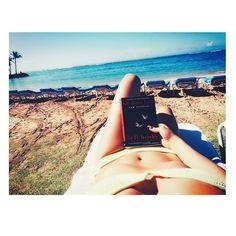 Pin for Later: Diese Promi-Fotos machen Lust auf Sommer, Sonne, Strand und Meer Kate Hudson