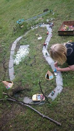 25 + › Kinder im Garten, Idee zum Spielen – Kimberly Abrams Children in the Garden, Idea to Play – Kimberly Abrams