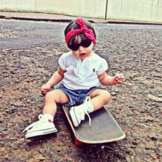 @florencavilarinho - Bom dia segundona! #skaterbaby #babyflorença... - EnjoyGram