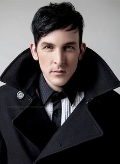 Robin Lord Taylor aka Oswald Cobblepot, the Penguin  Met him at Anime STL 2015! He's so so sweet!!!