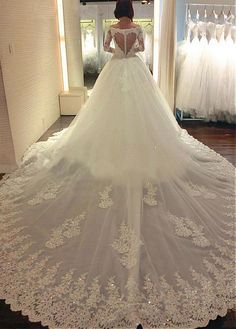 Luxury Tulle Off-the-Shoulder Neckline Ball Gown Wedding Dresses with Beaded Lace Appliques