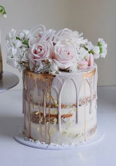 Dripped wedding cakes from laombrecreations - Wedding ideas - Gateau Pretty Cakes, Beautiful Cakes, Tiered Wedding Cake Stands, Wedding Cake Designs, Wedding Cakes, Nake Cake, Bolos Naked Cake, Cupcake Cakes, Cupcakes