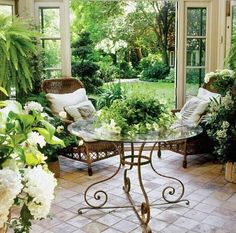 What an elegant sunroom this is.....