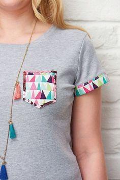 Detalle en camiseta šitie sewing, altering clothes a diy clothes. Diy Clothes Refashion, Shirt Refashion, T Shirt Diy, Diy Clothing, Sewing Clothes, Diy Tshirt Ideas, Shirt Bag, Abaya Mode, Diy Summer Clothes