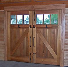 DIY barn door can be your best option when considering cheap materials for setting up a sliding barn door. DIY barn door requires a DIY barn door hardware and a Exterior Barn Doors, Old Barn Doors, Barn Doors For Sale, Diy Garage Door, Garage Door Design, Diy Barn Door, Shop Doors, House Doors, Carriage Garage Doors
