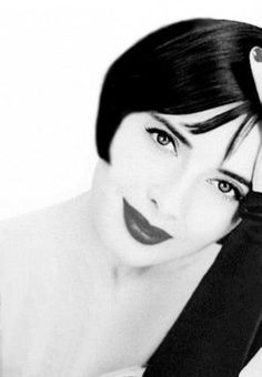 Isabella Rossellini looking very Clara Bow