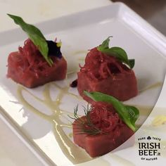 Cena Gourmet? #Beef #Irishbeef #manzo #food #foodie #ricetta http://ricette.foxlife.it/secondi-piatti/manzo-crudo-cipolla-rossa-salsa-di-ostriche-aroma-di-limone/#utm_sguid=168881,63508afe-80bb-d669-0823-3d8c1705e109