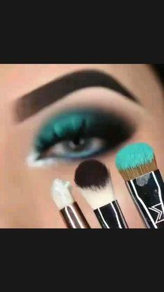 Smoky Eye Makeup, Eye Makeup Steps, Makeup Eye Looks, Eye Makeup Art, Natural Eye Makeup, Skin Makeup, Eye Shadow Makeup, Makeup Eyeshadow, Smokey Eyeshadow Looks