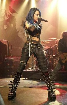 No shame in saying I have a completely straight crush on Alissa White Gluz / The Agonist