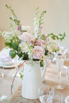 David Austin cut Flower collection. Order them online @ http://www.parfumflowercompany.com or visit your Florist. Pin : Keira and Patience arrangement #CutFlowers #CutRoses #DavidAustin