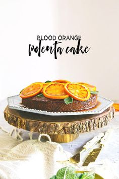 Blood oranges decorate this polenta cake laced with olive oil. Even better, it's gluten free! Healthy Dessert Recipes, Fun Desserts, Delicious Desserts, Cake Recipes, Orange Polenta Cake, Polenta Cakes, Good Food, Yummy Food, Nutrition