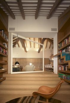 Barcelona, House in Pedralbes by Alfons Tost interior designer. Photo by Eugeni Pons.