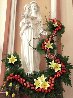 Church Flowers, Funeral Flowers, Modern Floral Arrangements, Mama Mary, Hand Bouquet, Holy Week, Blessed Mother, Centre Pieces, Calla Lily