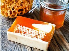 Honey lends many beneficial qualities to homemade soap, but it can be a touch tricky to work with. Let's learn how to safely make honey soap. Honey Recipes, Soap Recipes, Honey Face Mask, Honey Benefits, Honey Soap, Natural Honey, Milk Soap, Cold Process Soap, Beauty Recipe