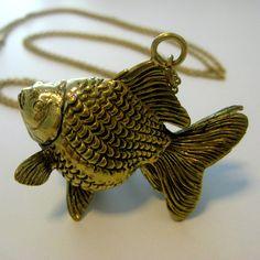 Goldfish Necklace     £26.00 #statementjewelry #statementjewellery #jewelry #jewellery #ThatsPretty #fashion #vintagejewelry
