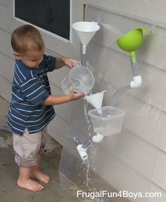 Love this design for a DIY water wall - the parts can be rearranged and built different ways!