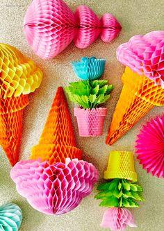 Rosado Chingde Decoraciones de papel pompones 18 piezas Abanicos de papel Guirnalda de borlas de papel Bandera de la bandera del tri/ángulo Ventilador de papel colgante para decoraci/ón de fiestas,