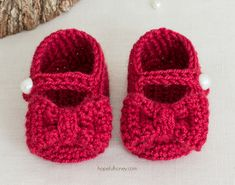 Ruby Red Mary Jane Booties - Free Crochet Pattern by Hopeful Honey Crochet Baby Boots, Booties Crochet, Baby Girl Crochet, Crochet Shoes, Crochet Slippers, Baby Blanket Crochet, Crochet For Kids, Free Crochet, Baby Booties