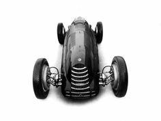 Wallpapers of Alfa Romeo Tipo 158 Alfetta Diesel Punk, Vintage Racing, Vintage Cars, Vintage Auto, My Dream Car, Dream Cars, Classy Cars, Car And Driver, Garage Art
