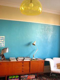 Merk: Kartell Model: Fl/Y design hanglamp FLY Design: Ferruccio Laviani Kleur: Geel Aantal: 1 exemplaar Status: Nieuw  Normale prijs € 201,- Het Design Entrepot prijs € 168,-