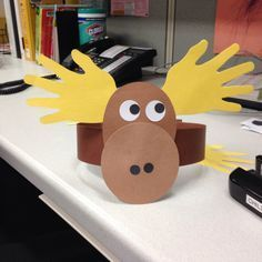 May 2017 - I decided to do a moose themed Storytime this winter and wanted a cute moose craft to go with it. Forest Animal Crafts, Animal Crafts For Kids, Winter Crafts For Kids, Toddler Crafts, Forest Animals, Forest Crafts, Woodland Animals, Preschool Projects, Daycare Crafts