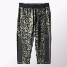 Pounce on your next workout in these women's cheetah-print capris made with moisture-wicking climalite® fabric to keep you dry and comfortable. A medium-compression fit hugs muscles as you train. Made with UPF 50+ UV protection for sunny practice days.