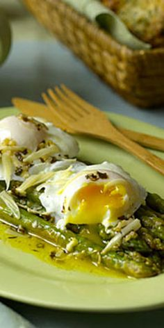 Asparagus With Poached Eggs and Parmesan  - Use these 16 recipes to create a relaxing meal without slaving away in the kitchen.
