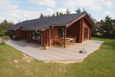 L�kken Holiday Home 98 L�kken L?kken Holiday Home 98 is a holiday home with a terrace, set in S?nder Lyngby in the Nordjylland Region. The unit is 41 km from Aalborg.  A TV and DVD player, as well as a CD player are offered.