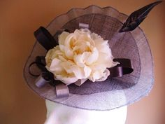 Tocado plato gris marfil Vintage, Accessories, Fashion, Ivory, Fascinators, Silver, Gray, Moda, Fasion