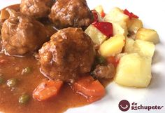 Albóndigas en Salsa (Meatballs in Sauce) Meat Recipes, Gourmet Recipes, Mexican Food Recipes, Healthy Recipes, Ethnic Recipes, Salsa, Spanish Stew, Crockpot, Gastronomia