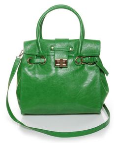 I LOVE this. Perfect for Spring! I've always wanted a Kelly Green colored bag - goes with EVERYTHING.