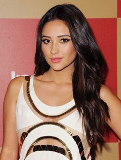 #Hair by #DavenMayeda for #ShayMitchell #RedCarpet #HoneyArtist