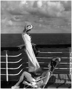 Two modelson the deck ofthe cruise ship Lurline, 1934, photo by Edward Steichen