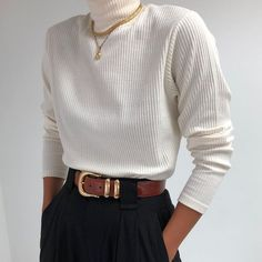 Vintage White Sweater + High Waisted Trousers Source by violanaurath Casual outfits 40s Fashion, Fashion 2020, Look Fashion, Vintage Fashion, Vintage Style, Komplette Outfits, Fashion Outfits, Fashion Pants, Fasion