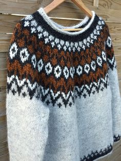 Ravelry: Riddari-mallin projekti Galleria Védís Jónsdóttir Stockinette, Needles Sizes, Ravelry, Crochet Top, Knitting Patterns, Sweaters For Women, Pullover, Stitch, Handmade