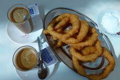Café Cortado met Churros, Churreria Arte en Sano, Guaro