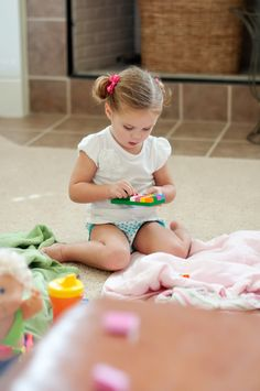 Potty training in one day.  The author admits getting that training to stick takes about a week, but the major learning all takes place in one day.  Well worth pinning this for later (2.5 years old recommended) and we want to start potty training.